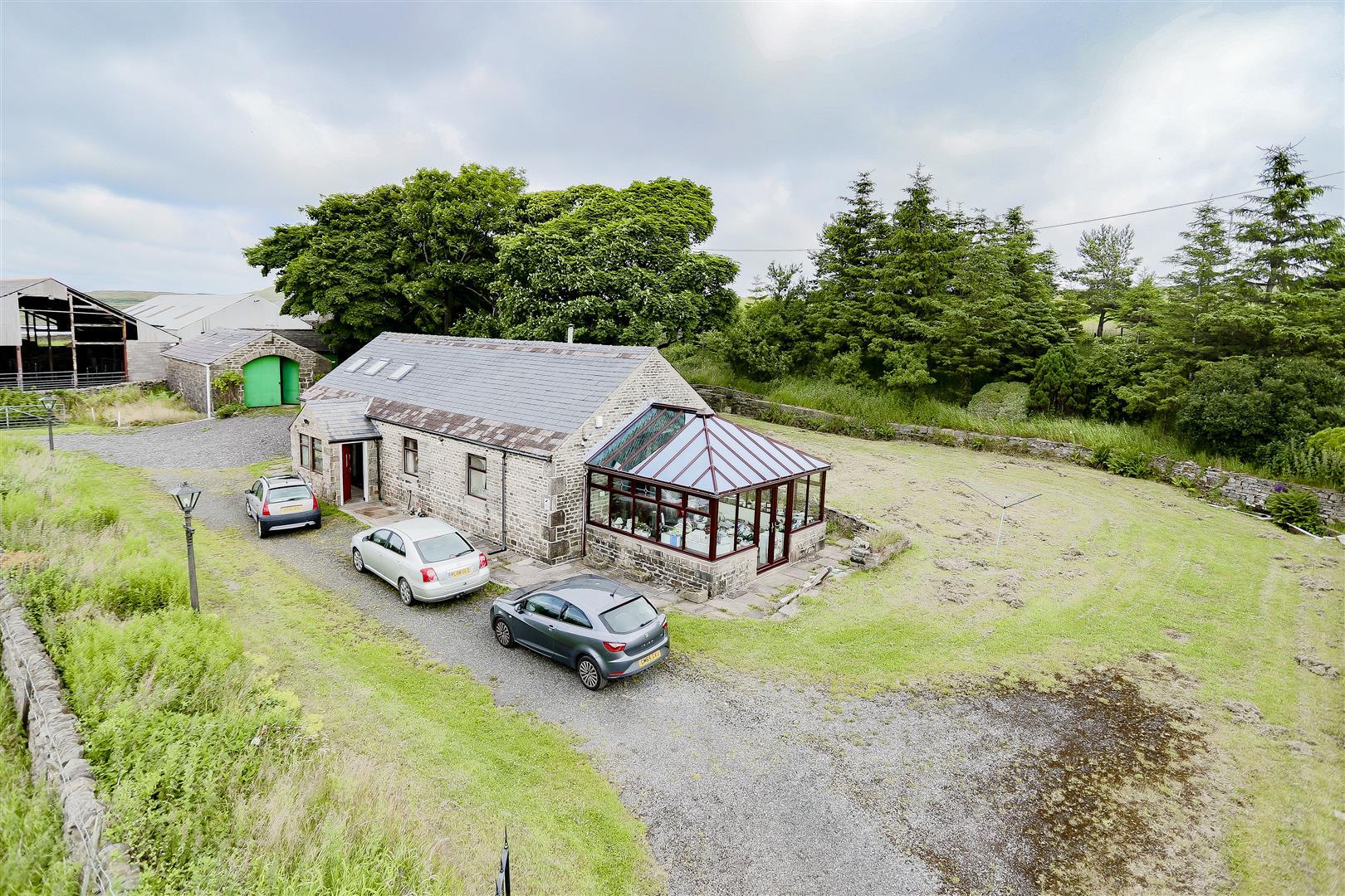 2 Bedroom Barn Conversion For Sale - 12.jpg
